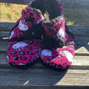 Hello kitty slippers size 7/8